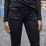 jean Freeman T Porter femme modèle Alexa magic denim noir