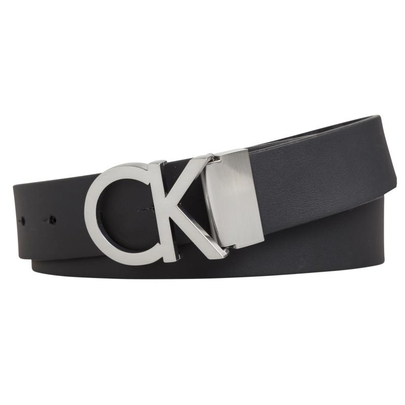 aa25d5b2bf4f ... Ceinture réversible Calvin Klein Jeans en cuir noir avec boucle Ck