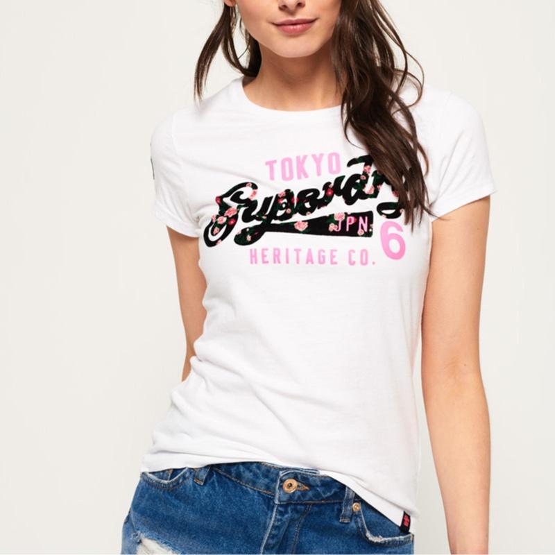 d620711f7c T Shirt Superdry femme Heritage Flock tee blanc logo fleur